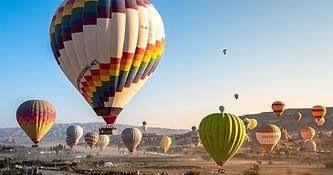 hot-air-balloons-4561267_1920.jpg