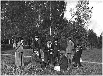 L. N. Tolstoy with relatives and fri