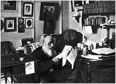 L. N. Tolstoy in his study. Iasnaia