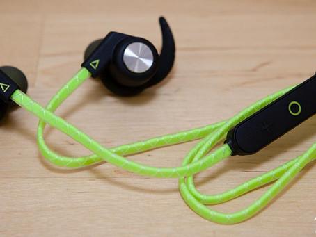 Creative Outlier 藍牙運動耳機評測:輕量、防汗、無線運動耳機推薦