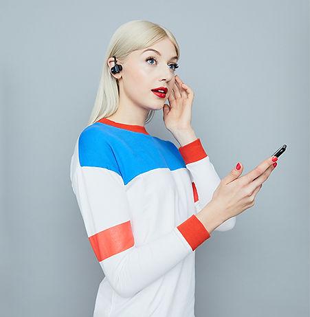 Live Fast 運動耳機具備免持、無線藍牙等智慧功能