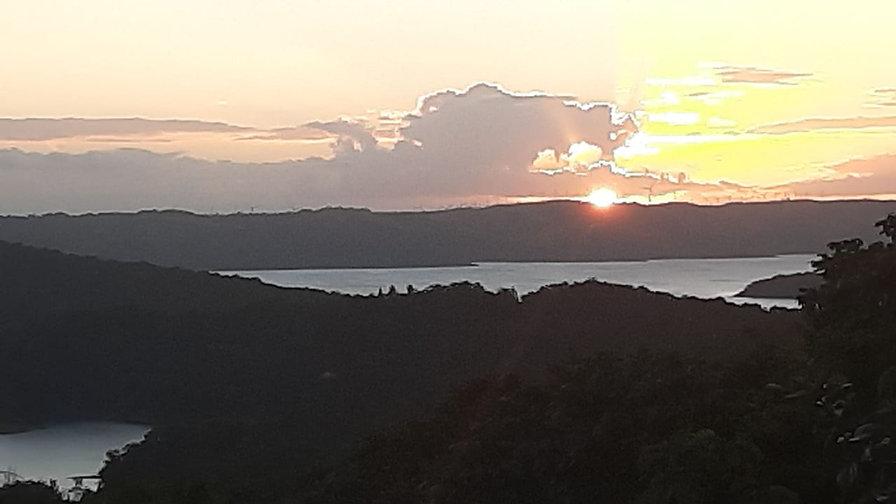 Sunset Lake Arenal.jpg