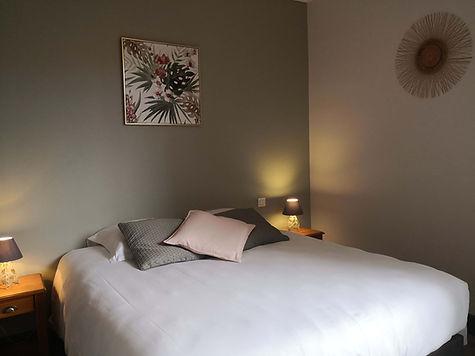 lit double hotel de charme salon de provence