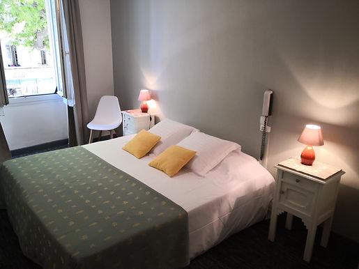Hotel situé en plein cœur de la ville de Salon de Provence