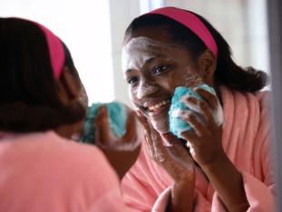 6 Easy Winter Skin Care Tips For Teen Girls