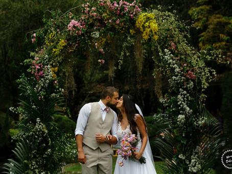 Casamento de dia para Lud e Rafa