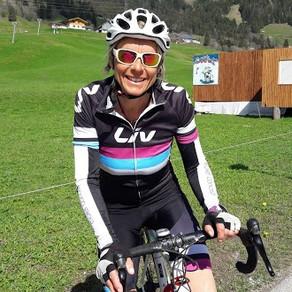 Was macht Eveline Remy-Cottier, Präsidentin der Skischule Jaun und Kids Instruktorin, im Sommer?