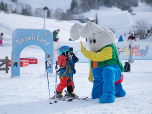 Schweizer Skischule Jaun Snowli.jpg