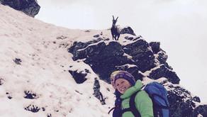 Was macht Julie Repond, Snowboardlehrerin der Skischule Jaun, während des Sommers?
