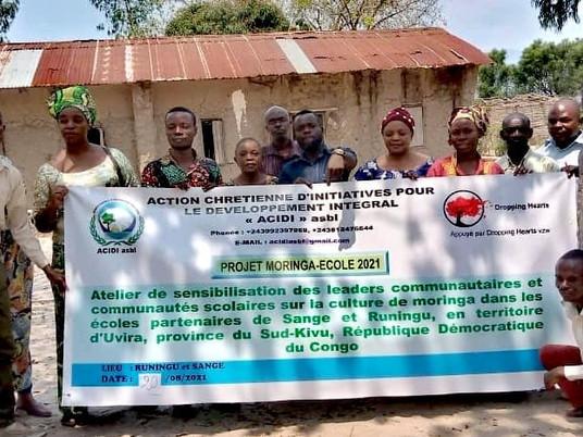 Opleiding is gestart aan de leidinggevende van het 'Moringa scholen-project'