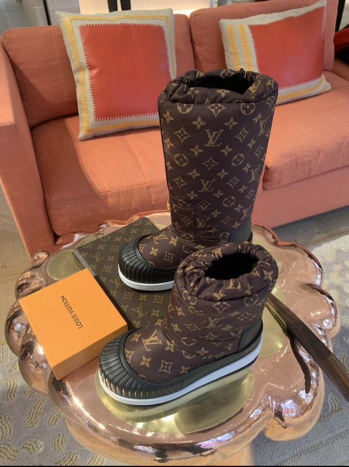 Louis Vuitton snow boots TALL