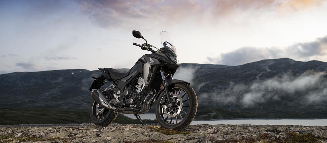 Honda_Motorcycles_CB500X_Lifestyle_large