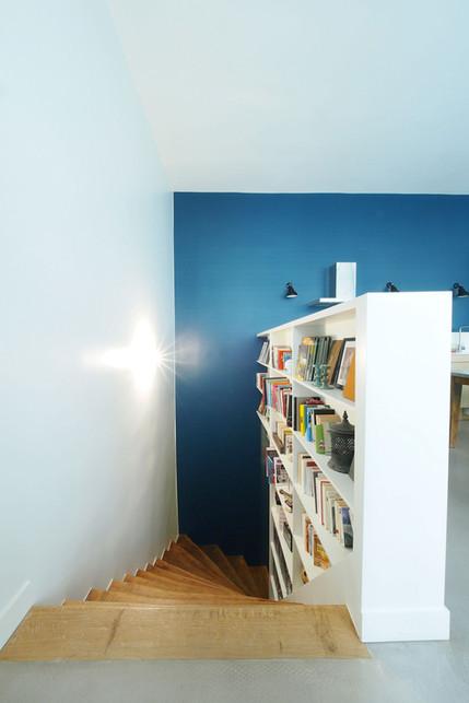 Escalier bibliothèque loft