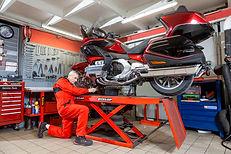 L'atelier entretien de motos et scooters chez 7ème avenue