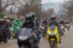motorcycle-3280884_1920.jpg