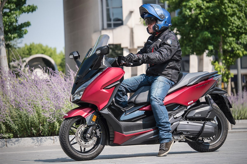 rouler en scooter en ville