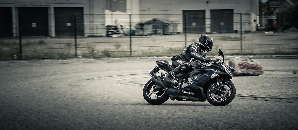 moto épreuve de plateau