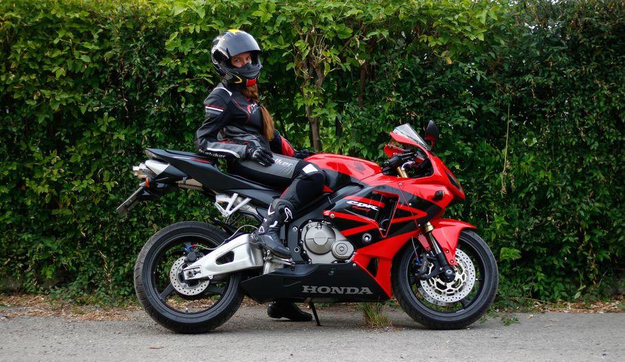 Les femmes et la moto Honda, passionnées