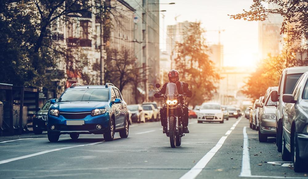 La moto, la voiture et l'accident