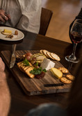 Catch up with friends, family and workmates at Nelson's Flames on Forty Restaurant and Bar.