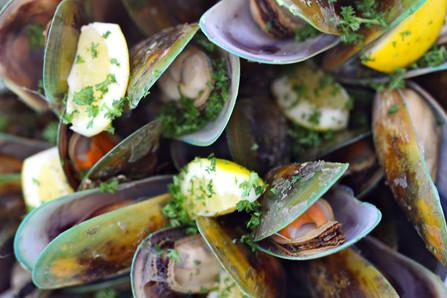 Greenshell mussels 1500px.jpg