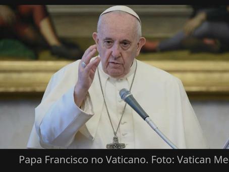 Papa Francisco convida a rezar pelo Líbano após grave explosão em Beirute