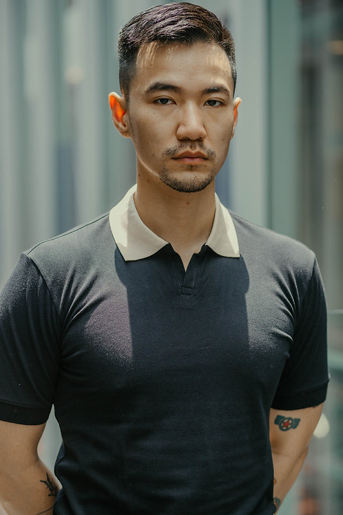 Contrast Buttonless Polo