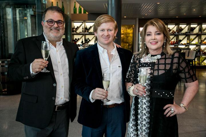 Rafael, Felipe y Enid Gavilanes.