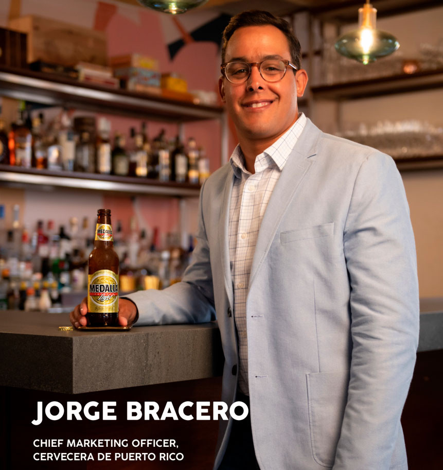 Jorge Bracero, principal oficial de mercadeo de Cervecera de Puerto Rico. Medalla Light