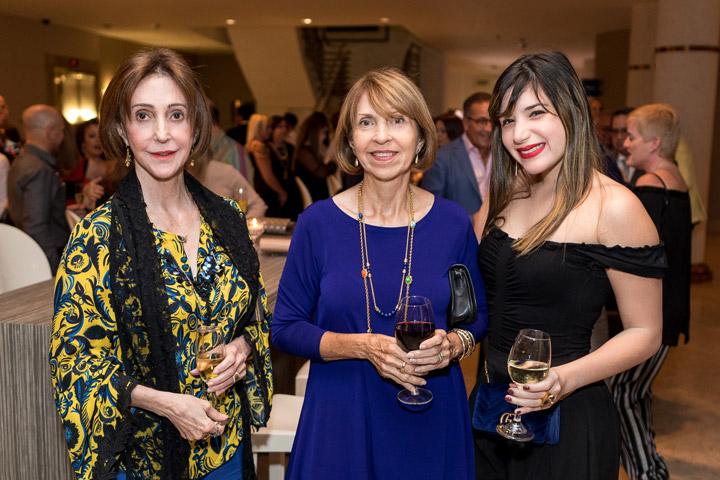 Olga Viso, Elena Lizardi y Camila Pineda