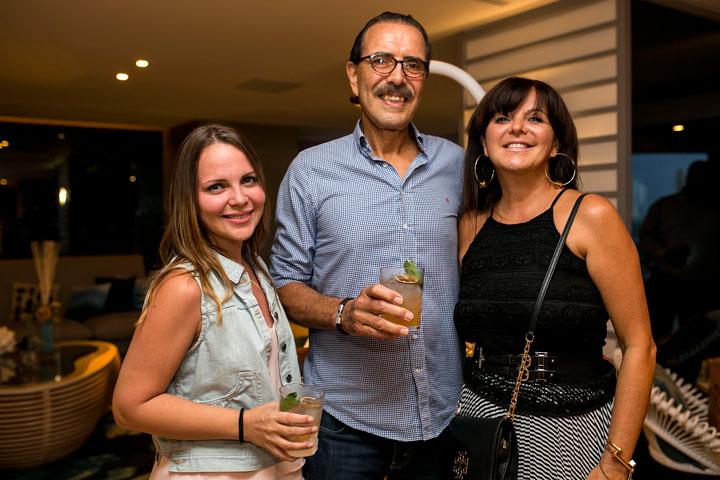 Marina Avilés, Miguel Avilés y Annette Oliveras