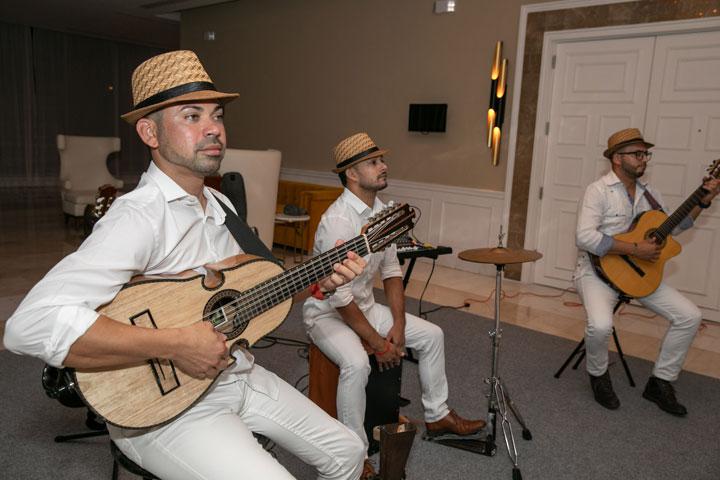 Jibaro Pop Trio