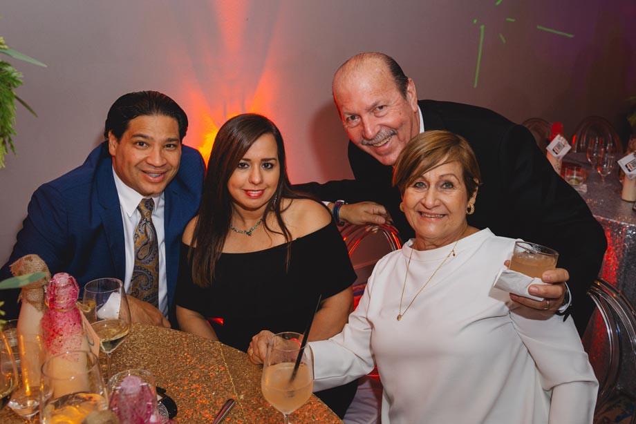 Osvaldo Maldonado, dueños de Señorial Auto, en Ponce, Alba Rivera y Ángel Maldonado, dueños de Bebo & Mike, en Toa Baja