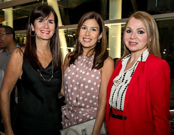 Dra Maritere Cadilla, Beatriz Vivas y Mercedes Bellaflores.
