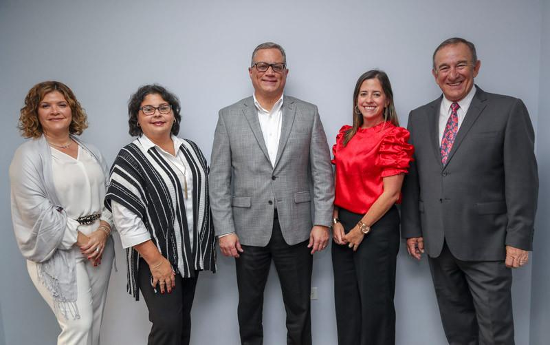 Rebeca Quiñones, Dir Ejecuiva FHP, Brenda Cardona FRM, Alberto Cabrer  VDM, Karina Iglesias FHP y Manolo Cidre Pres Junta Dir FHP.