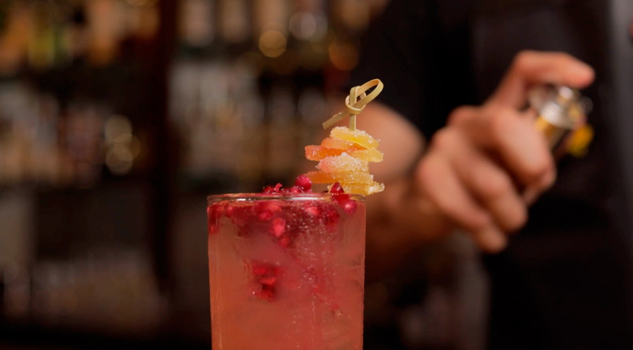 Bartender IN House, PAMA Adult Shirley Temple, iN Puerto Rico Magazine