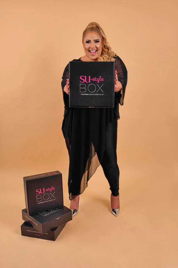 SU-style BOX, Plus Size Fashion Essential Kit.