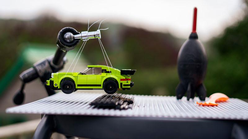 Porsche, Lego.