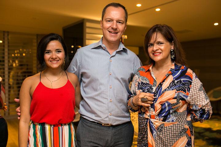 Camila Negrón, Pierre-Alex Maillard y Yamila Rodríguez