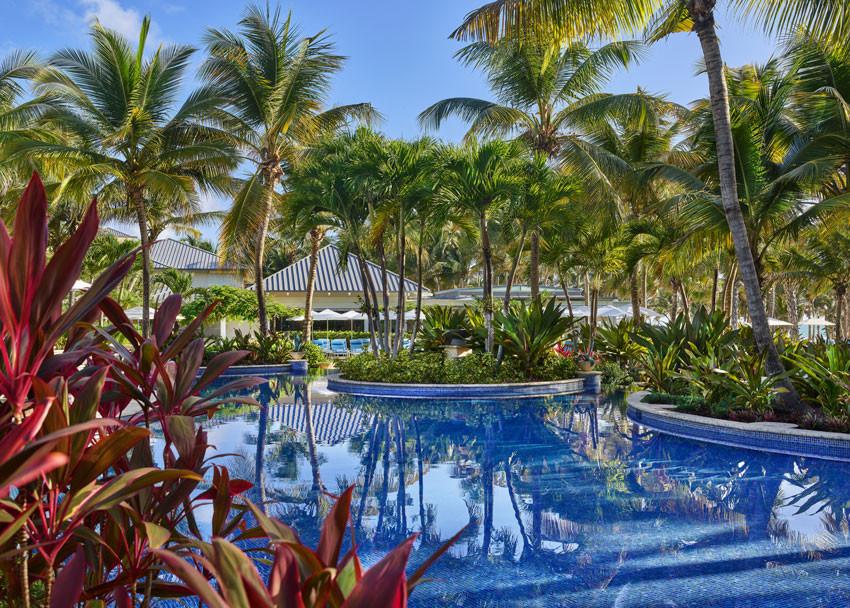 The St. Regis Bahia Beach Resort - piscina