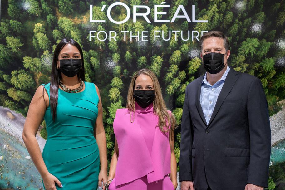 Rosa Vargas, Liana Camacho y Dave Hughes, L'Oréal Caribe, Kiehl's y Basura Cero