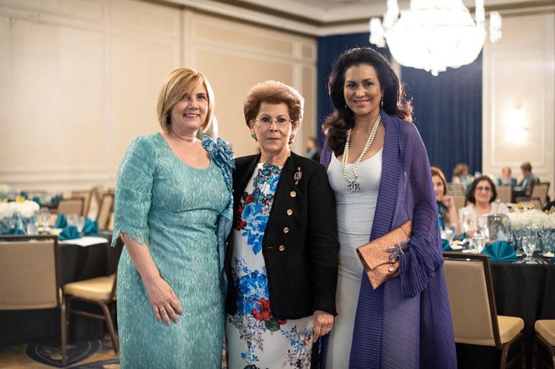 Lilliam Rodriguez Capó, Dra Anntonia Novello y Lady Wilnelia Forseyth.