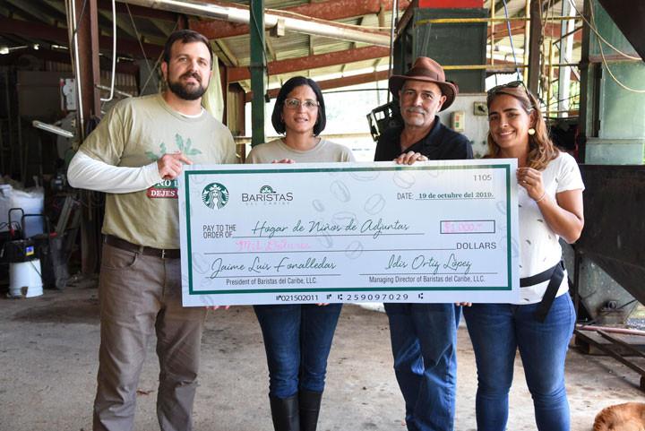 Baristas del Caribe, Starbucks Puerto Rico y Hacienda San Pedro donan la cantidad equivalente a la venta del café recogido al Hogar de Niños.