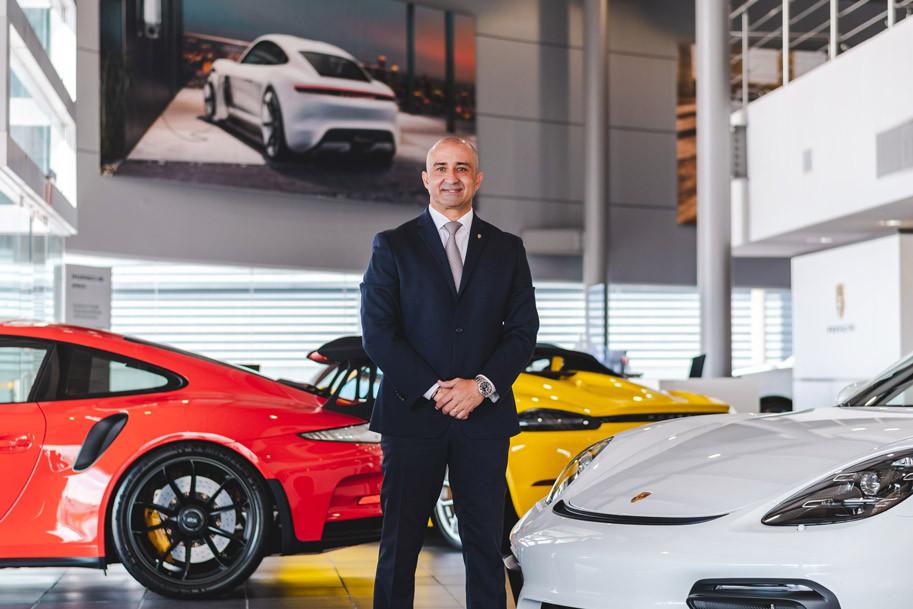 Orlando Pérez, gerente de ventas de Garage Europa Porsche Center