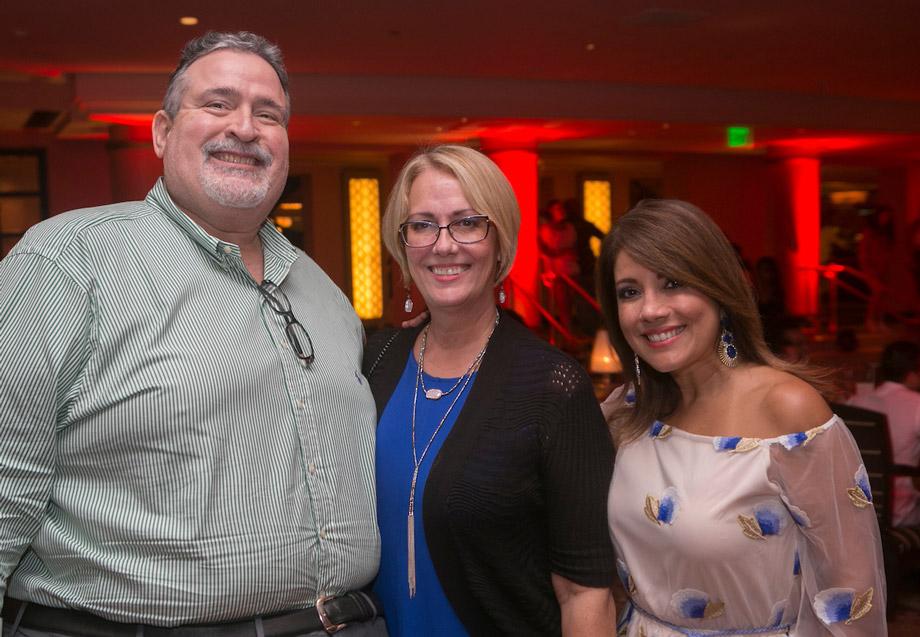 Wilfredo Pagani, Ileana Lopez & Dra. Griselle Perez.