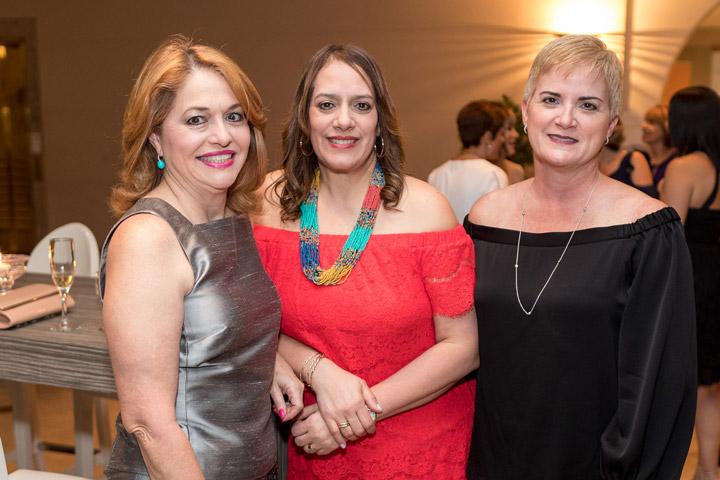Lizette Gómez, Teresa Rosario y Lourdes Villamil