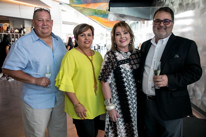Arnaldo Mendez, Issier Muñiz, Enid y Rafael Gavilanes.