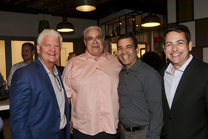 Steve Collar, Raymond Rundle, Ricardo García, Rolando López