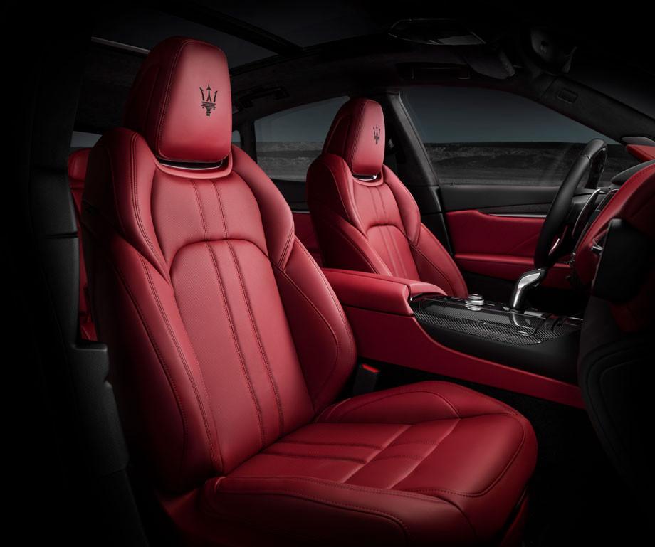 Maserati Levante GTS, interior.