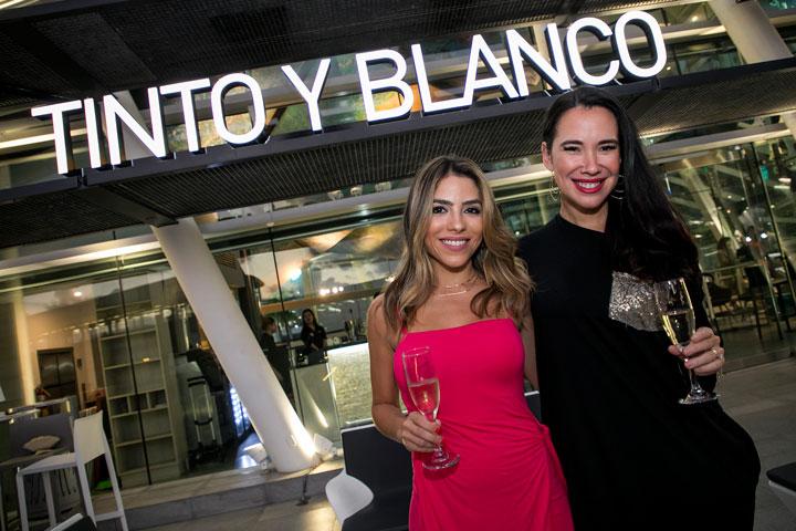Maricarmen Figueroa y Sandrysabel Ortiz.